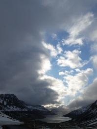 Between Ísafjörður and Suðureyri